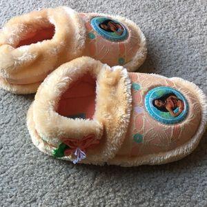 Other - Disney Moana Slippers - Sz 12